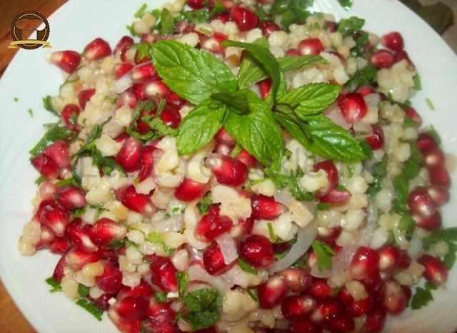 Nar Taneli Buğday Salatası