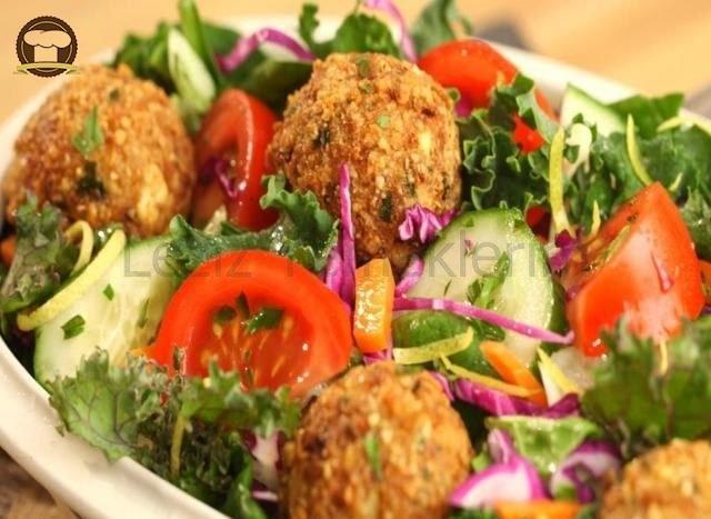 Ispanaklı Falafelli Salata