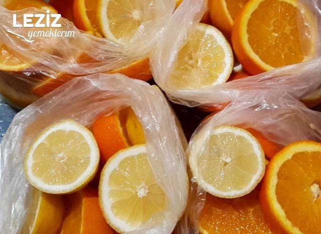 Yazın Limonata Yapımı İçin Buzluğa Portakal Ve Limonu Nasıl Koyarız
