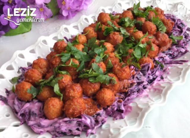Köfteli Mor Lahana Salatası