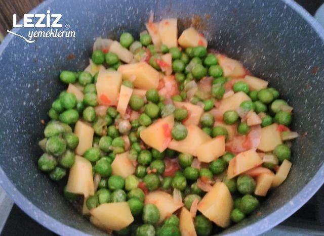 Zeytinyağlı Bezelye Yemeği