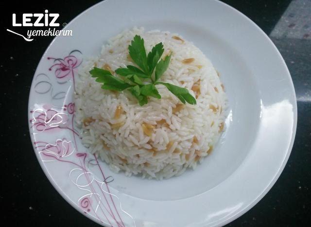 Şehriyeli Pirinç Pilavı Nasıl Yapılır