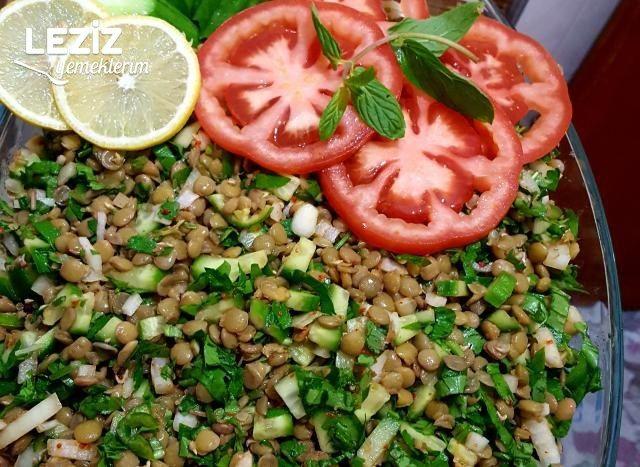 Yemelere Doyum Olmayan Yeşil Mercimek Salatası