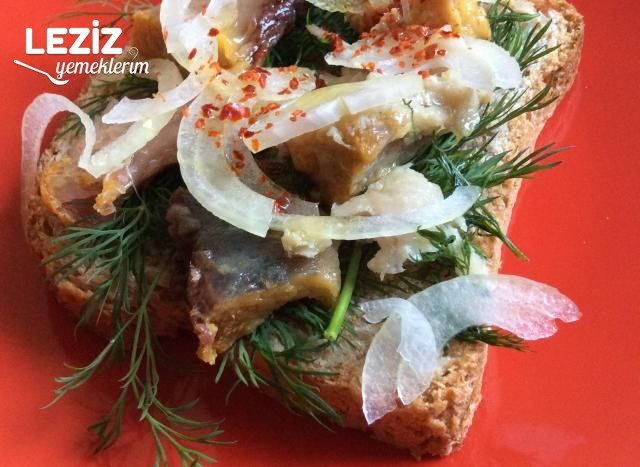 Ton Balıklı Ekmek Dilimleri