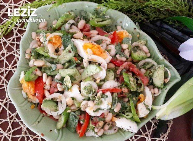 Tahinli Semizotlu Kuru Fasülye Salatası