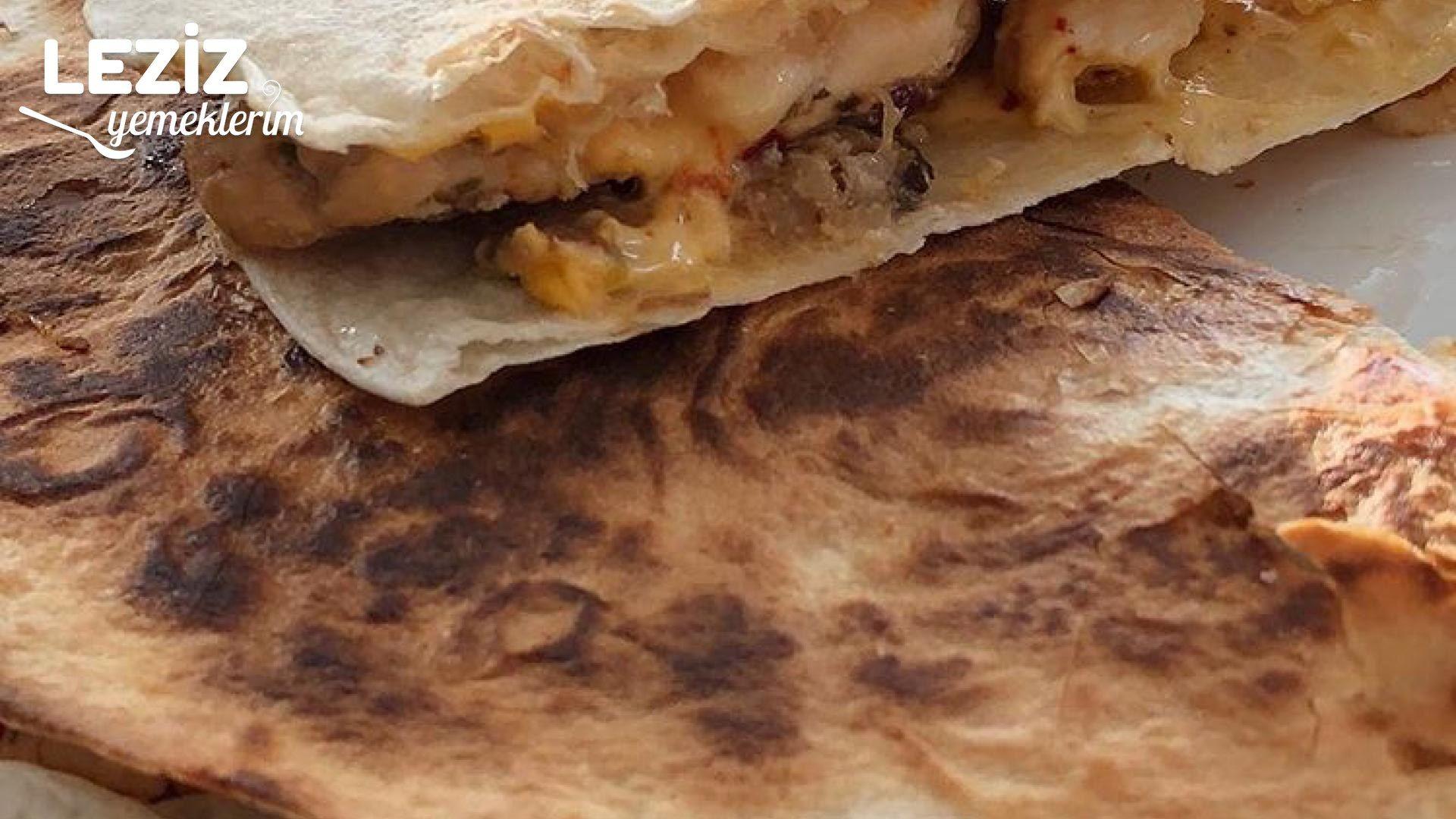 Tavuklu ve kaşarlı Quesadilla tarifi