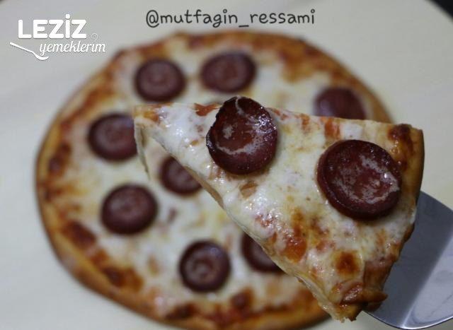 Pizza (Sucuklu Ve Peynirli)