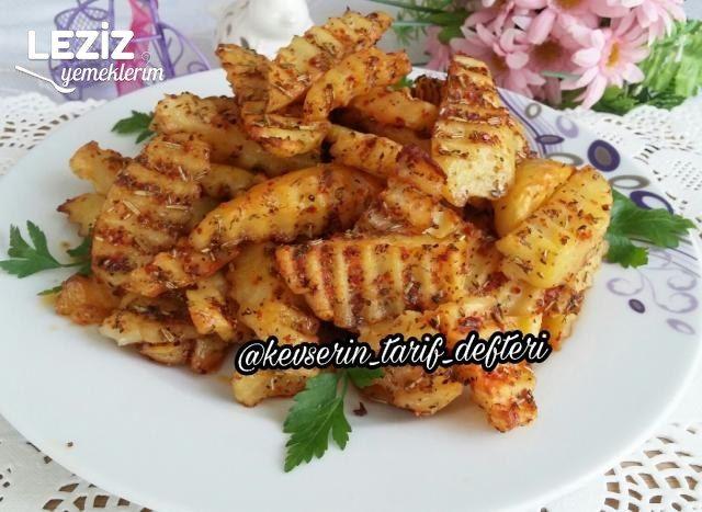 Fırında Az Yağlı Ve Hafif Baharatlı Patates Dilimleri