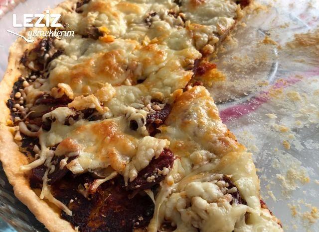Evde Pizza Tarifi (Mayasız Pizza Hamuru İle)