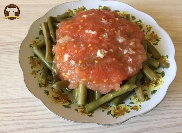 Domates Soslu Taze Börülce Salatası