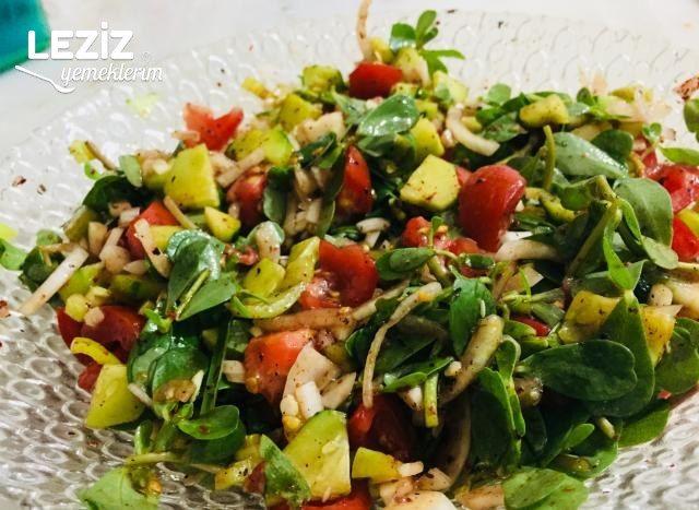 Semizotu Salatası (Harika Sosu İle)