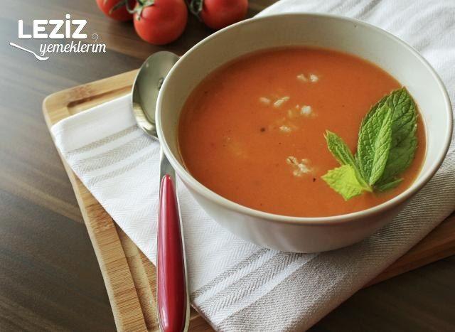 Buğdaylı Domates Çorbası