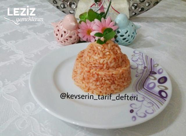 Domatesli Pirinç Pilavı Nasıl Yapılır