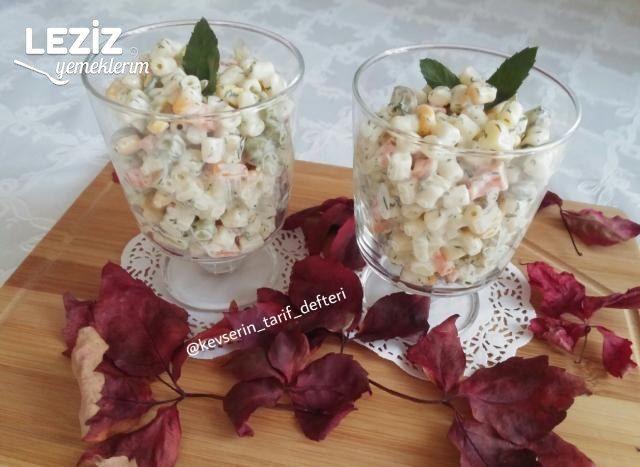 Kaşık Kaşık Yediren Makarna Salatası