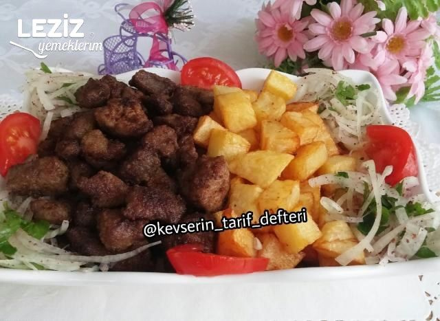 Nefis Arnavut Ciğeri Tarifi (Soğan Salatası İle)