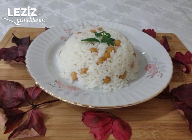 Tereyağlı Nohutlu Pirinç Pilavı