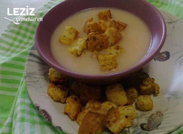 Sarımsaklı Yoğurt Çorbası