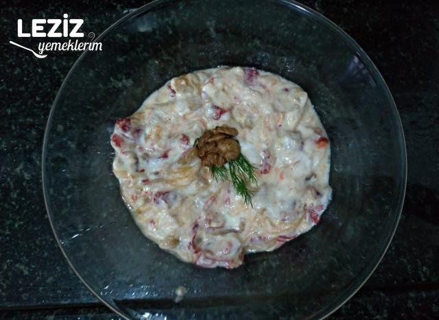 Közlenmiş Yoğurtlu Salata