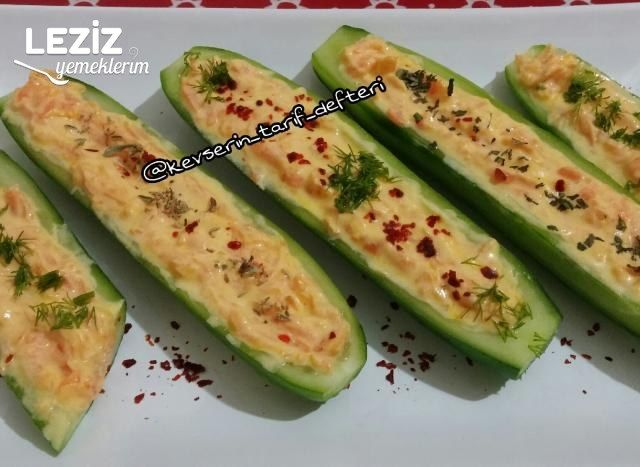 Salatalık Sandalında Havuç Salatası