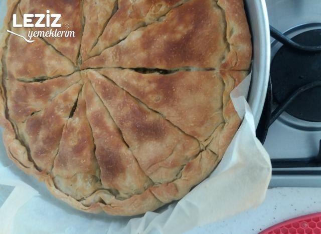 El Açması Ispanaklı Peynirli Börek