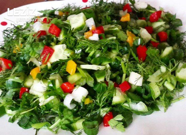 Renkli Biberli Rokalı Salata