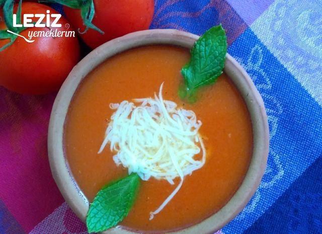 Domates Çorbası (Aşama Fotoğrafları İle)