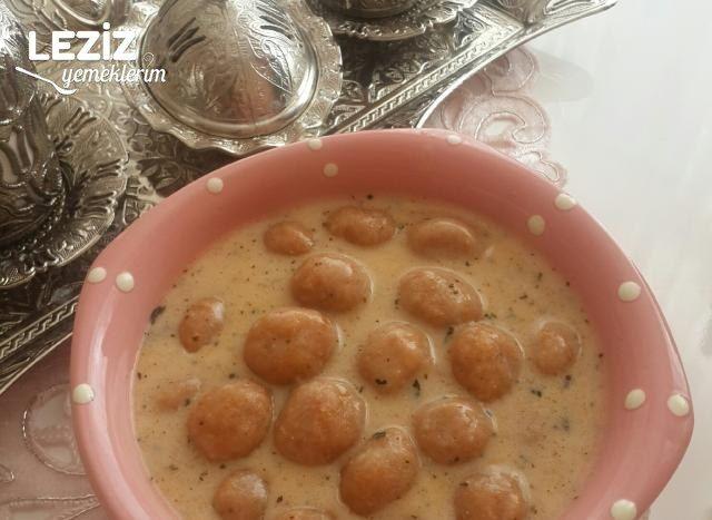 Bulgur Köfteli Yoğurtlu Çorba