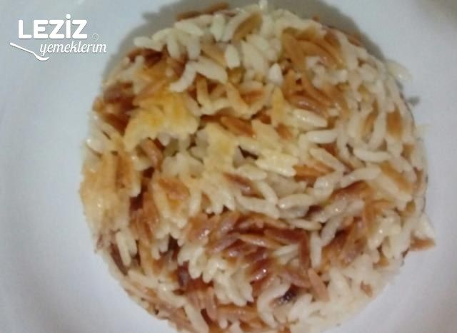Tavuk Suyuna Tereyağlı Pirinç Pilavı