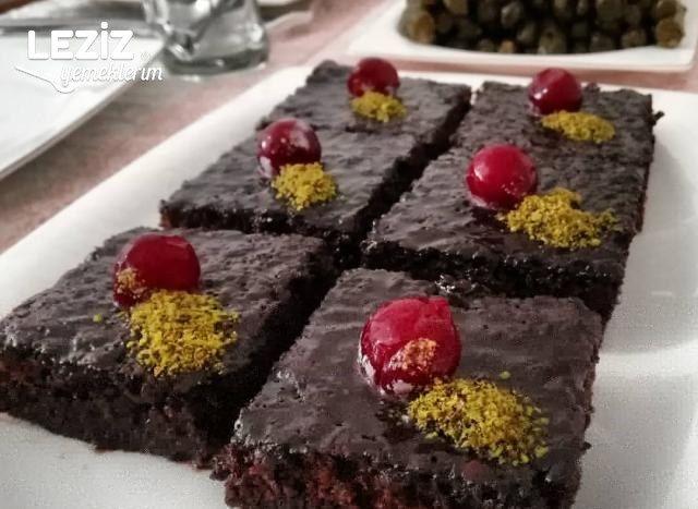 Bol Soslu Çikolatalı Islak Kek