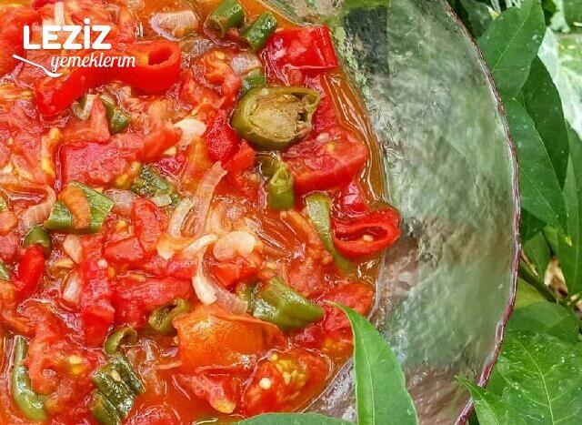 Kahvaltılık Biberli Soğanlı Domates Kavurması