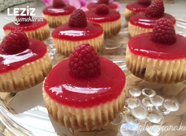 Frambuazlı Mini Cheesecakeler