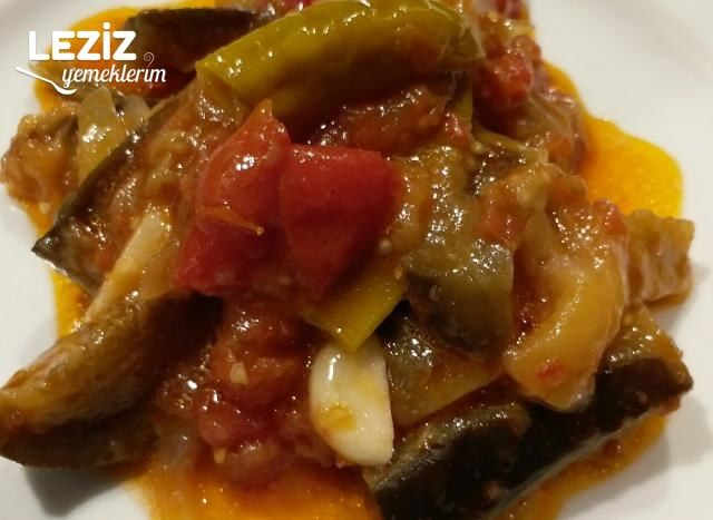 Zeytinyağlı Patlıcan (İmam Bayıldı)