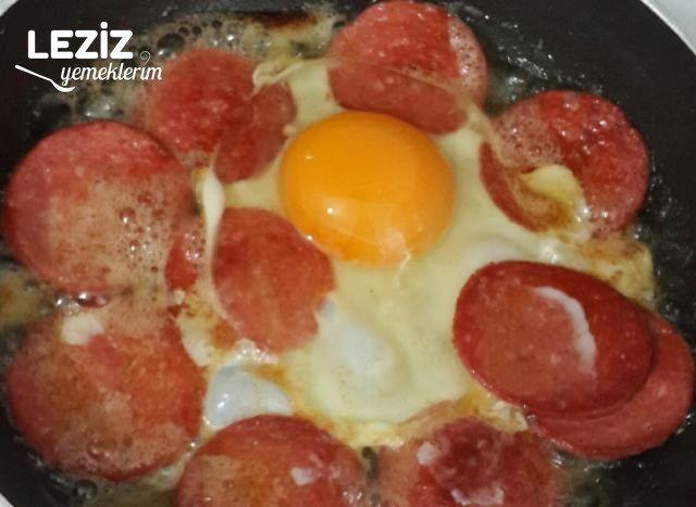 Sucuklu Yumurta Nasıl Yapılır