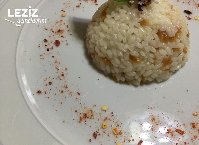 Arpa Şehriyeli Pirinç Pilavı Nasıl Yapıılır?