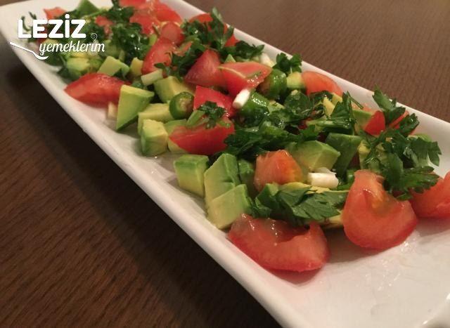 Enfes Avokado Salatası