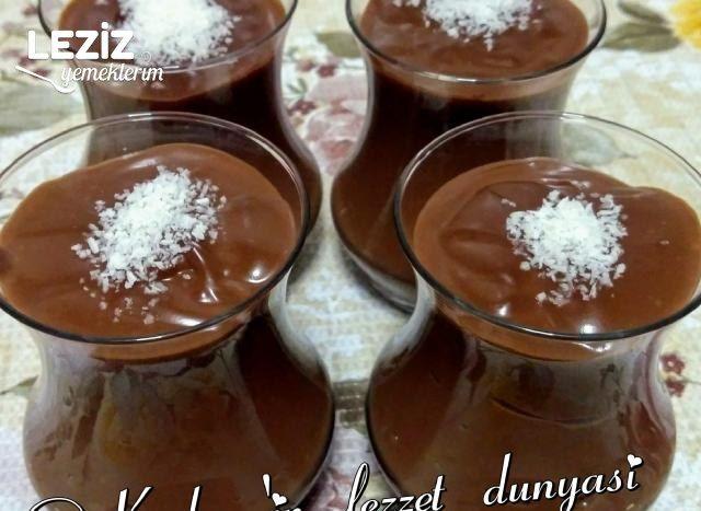 Çay Bardağında Çikolatalı Sütlü Kuplar