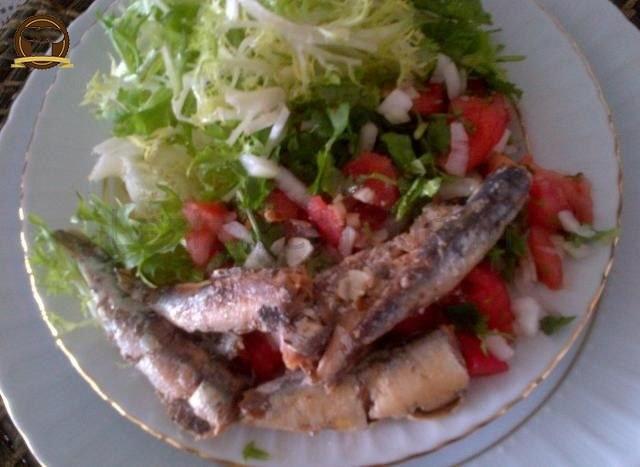 Sardalya Salatası