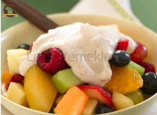 Tatlandırıcılı Meyve Salatası