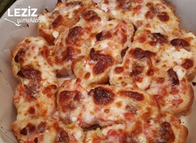 Bayat Ekmekten Pratik Pizza