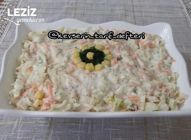 Harika Yoğurtlu Lahana Salatası Tarifi