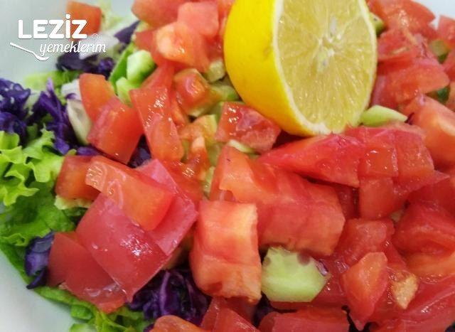 Karışık Salata Nasıl Yapılır