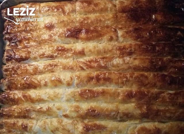 Baklava Yufkasından Peynirli Çıtır Börek