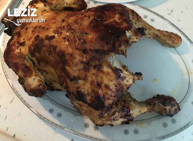 Şişede Nar Gibi Kızaran Tüm Tavuk