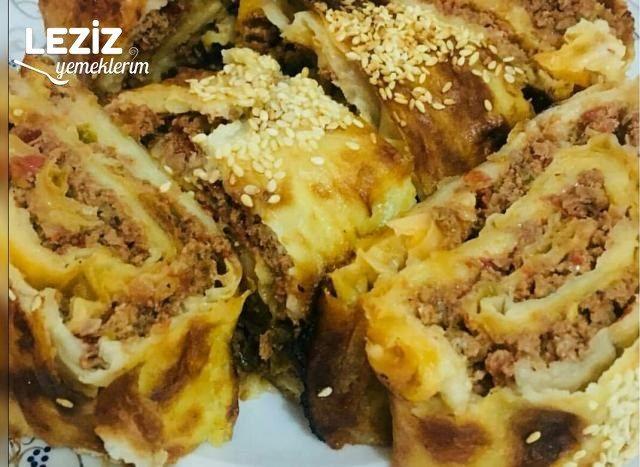 Nefis Lahmacun Böreği