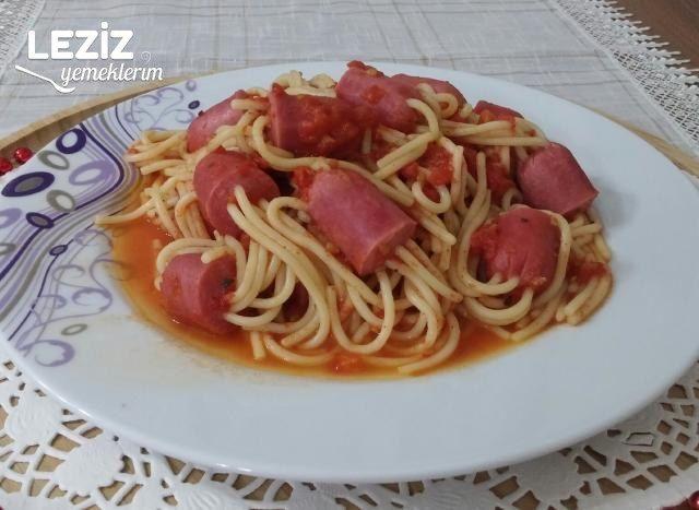 Sosisli Spagetti Çubukları Tarifi
