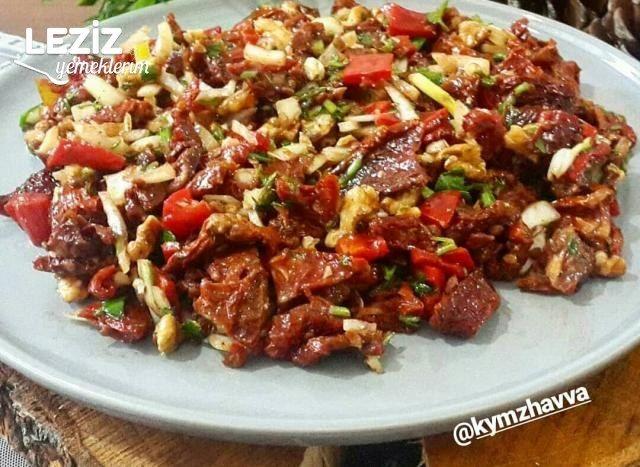 Kuru Domates Salatası (Faydaları Bu Tarifte)