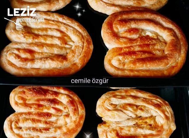 Mükemmel Sarıyer Böreği Tarifi (Patatesli)