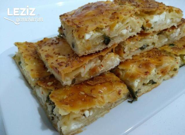Peynirli Soğanlı El Açması Börek