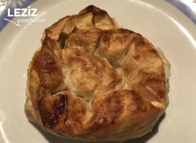 Pazılı Ispanaklı Gül Börek