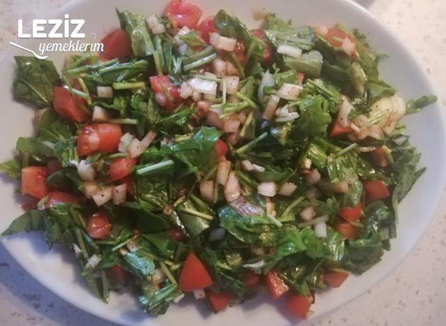 Ekşili Roka Salatası